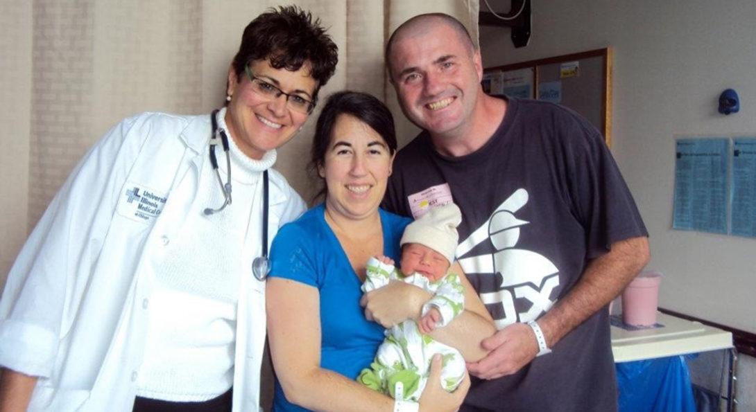 nurse with pregnant patient